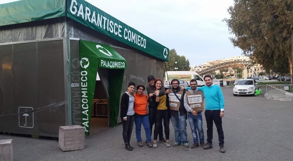 Il trio di AISA con gli altri comunicatori di Comieco della tappa di Palacomieco di Reggio Calabria.